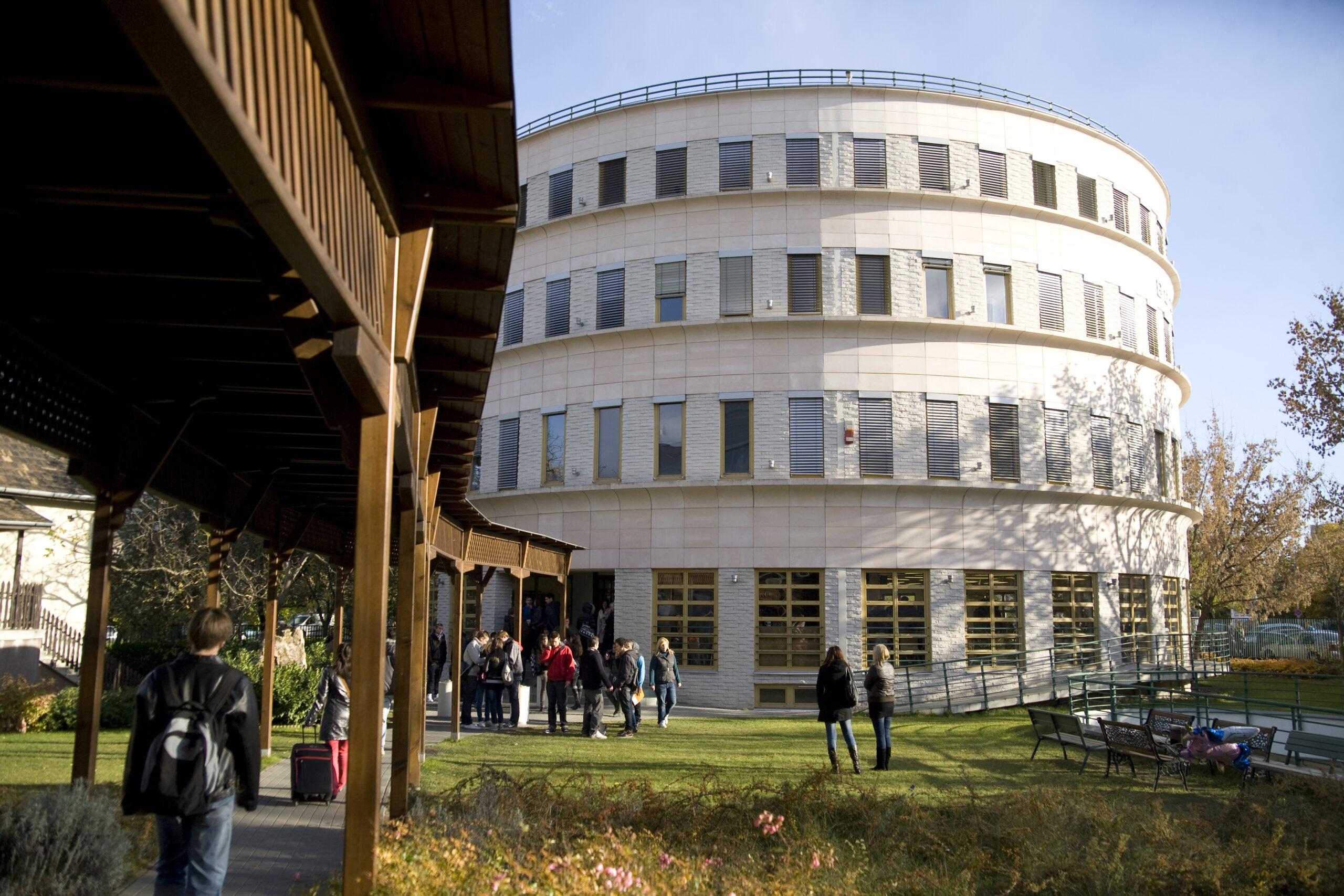 Student Visa Assistance For Budapest Metropolitan University in Vadodara